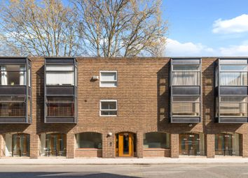Thumbnail 2 bed flat to rent in Ridgmount Street, London