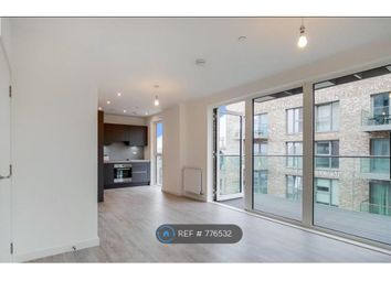 Thumbnail 1 bed flat to rent in Chamberlain Court, London
