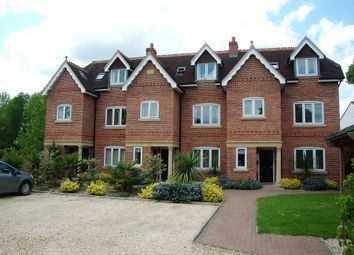 Thumbnail 1 bed flat to rent in Executive One Bedroom Apartment, Shireshead Close, Reading, Reading