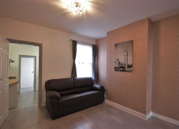 3 bed property to rent in Shaftesbury Road, Reading RG30