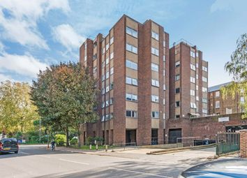 Thumbnail 2 bed flat to rent in Parkgate Road, Battersea, London