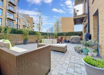 Connersville Way, Croydon, Surrey CR0. 2 bed flat for sale