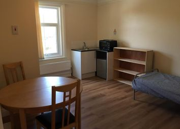 Thumbnail 6 bed shared accommodation to rent in Ifield Road, Crawley
