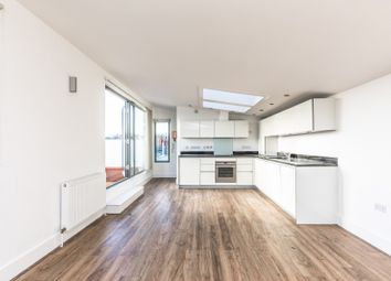 Thumbnail 3 bed flat to rent in Freehold Terrace, Brighton