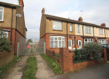 Thumbnail 3 bedroom terraced house to rent in Blundell Road, Luton