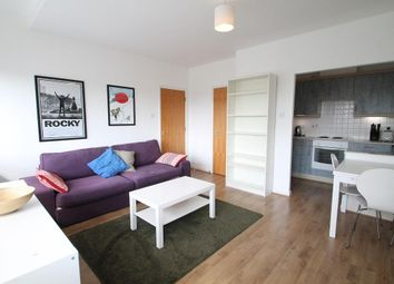 2 bed flat to rent in Newington Causeway, London SE1