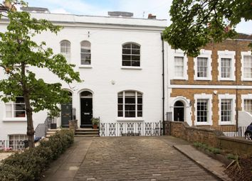 Thumbnail 3 bedroom town house to rent in Trinity Place, Windsor