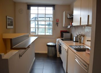 Thumbnail 2 bed flat to rent in High Street, Rye
