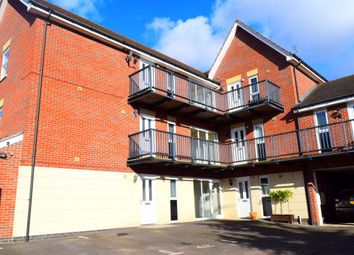 2 bed flat to rent in Brooks Close, Wootton, Northampton NN4