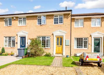 Otterbourne Crescent, Tadley, Hampshire RG26. 3 bed terraced house