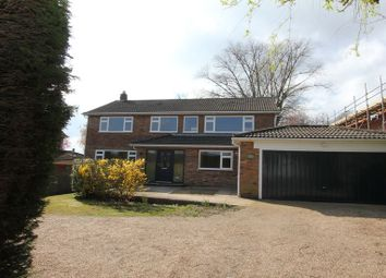 Thumbnail 5 bed detached house to rent in Blackpond Lane, Farnham Royal, Slough