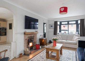 3 bed terraced house for sale in Manor Close, Salford MK17