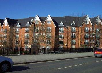 Thumbnail 2 bedroom flat to rent in Prebend Street, Bedford