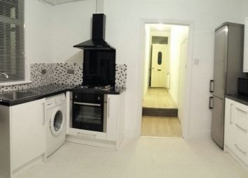 Thumbnail 3 bed flat to rent in Bishops Avenue, Plaistow