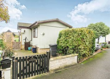Thumbnail 2 bed mobile/park home for sale in Riverside, Quiet Waters, Hemingford Abbots