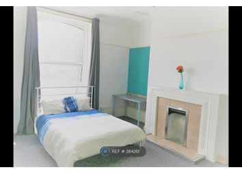 Thumbnail Room to rent in Wakefield Road, Huddersfield