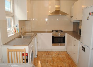 Thumbnail 3 bed town house to rent in Beechwood Road, London