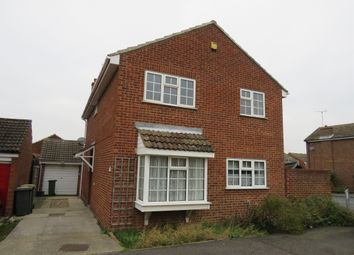 Thumbnail 4 bed detached house for sale in Wethersfield Close, Rayleigh