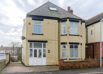 Thumbnail 5 bed detached house for sale in Lee Avenue, Withernsea