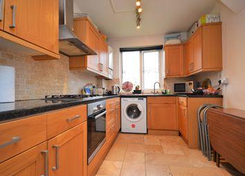 3 bed flat to rent in Sandbourne Road, London SE4
