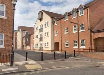 Thumbnail 1 bed flat to rent in Pine Street, Fairford Leys, Aylesbury