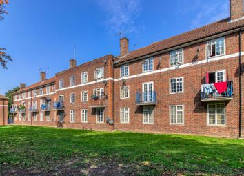The Hyde, London NW9. 3 bed flat