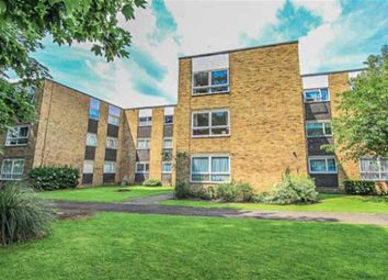 Thumbnail 2 bedroom flat for sale in Lampits, Hoddesdon, Hertfordshire