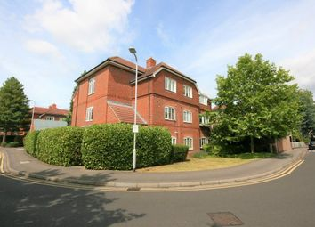 Thumbnail 2 bed flat to rent in Ashdene Gardens, Reading