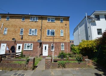 2 bed maisonette to rent in Classon Close, West Drayton UB7