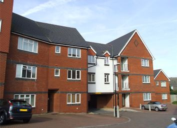Thumbnail 2 bed flat to rent in East Grinstead, West Sussex