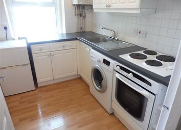 2 bed flat to rent in Glen Fern Road, Bournemouth BH1