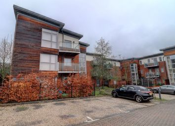 Thumbnail 2 bed flat to rent in Lindsay Court, High Wycombe, Bucks