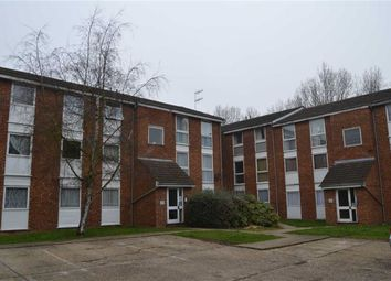Thumbnail 2 bed flat to rent in Arkley Court, Hemel Hempstead, Hertfordshire