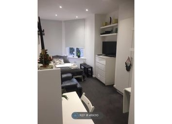 Room to rent in Heber Road, London NW2