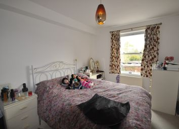 Thumbnail 1 bedroom flat to rent in Jenner Road, Guildford