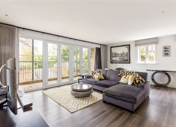 Thumbnail 2 bedroom flat for sale in The Groves, 46 Station Road, Beaconsfield