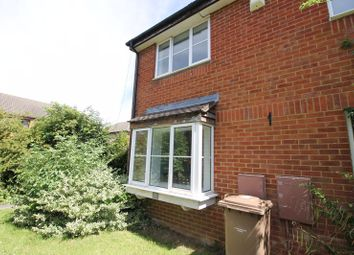 Thumbnail 1 bed property to rent in Farrow Close, Luton