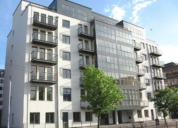2 bed flat to rent in Queens Wharf, Queens Road, Reading RG1