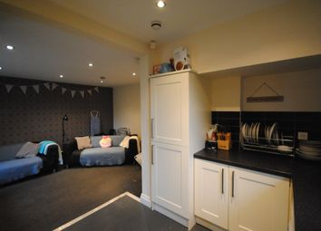 6 bed terraced house to rent in Richmond Avenue, Hyde Park LS6