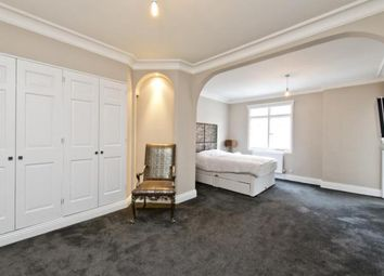 Thumbnail 6 bed terraced house to rent in Dilke Street, London