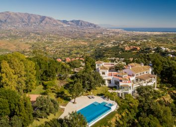 Thumbnail 6 bed villa for sale in La Mairena, Marbella, Malaga