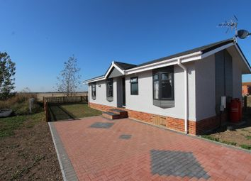 2 bed mobile/park home for sale in Irwin Road, Minster On Sea, Sheerness ME12