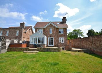 Thumbnail 6 bed detached house to rent in Sandalwood Close, Arkley