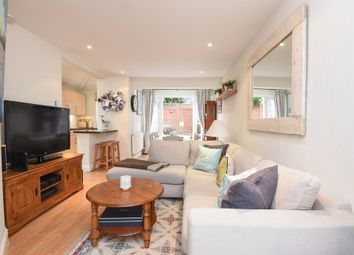 Thumbnail 2 bed flat for sale in Earlsfield Road, London