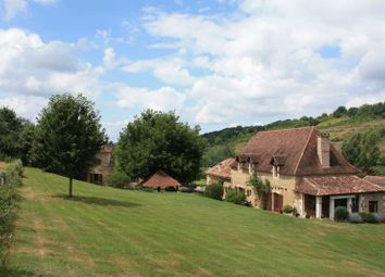 Thumbnail Country house for sale in Salon, France