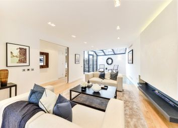 Thumbnail 3 bed terraced house for sale in Bloomfield Terrace, Belgravia