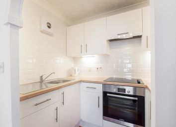 Thumbnail 1 bed flat to rent in Henry Road, Oxford