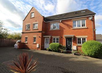 Derisley Close, Byfleet, Surrey KT14. 3 bed terraced house for sale
