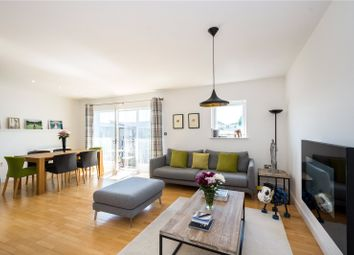 Thumbnail 3 bed flat for sale in Clephane Road, London