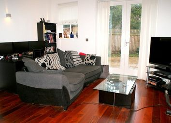 Thumbnail 1 bed flat to rent in Hazlewood Mews Clapham Road, Clapham